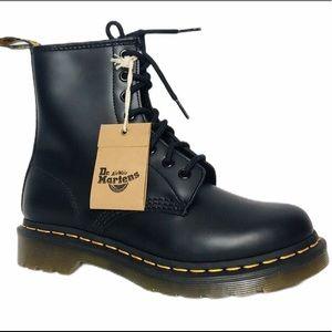 NEW Dr Martens 1460 Women's 8-Eye Combat Boots 6